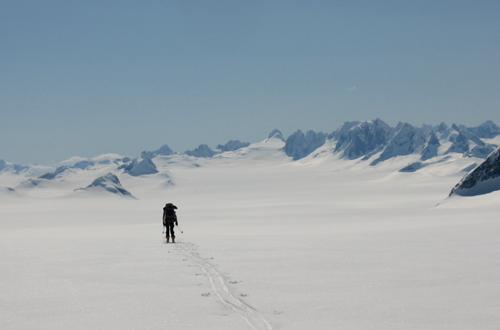 skiueberschreitung des juneau icefield alaska